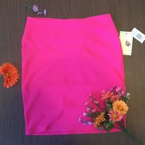 Adorable pink pencil skirt NWOT